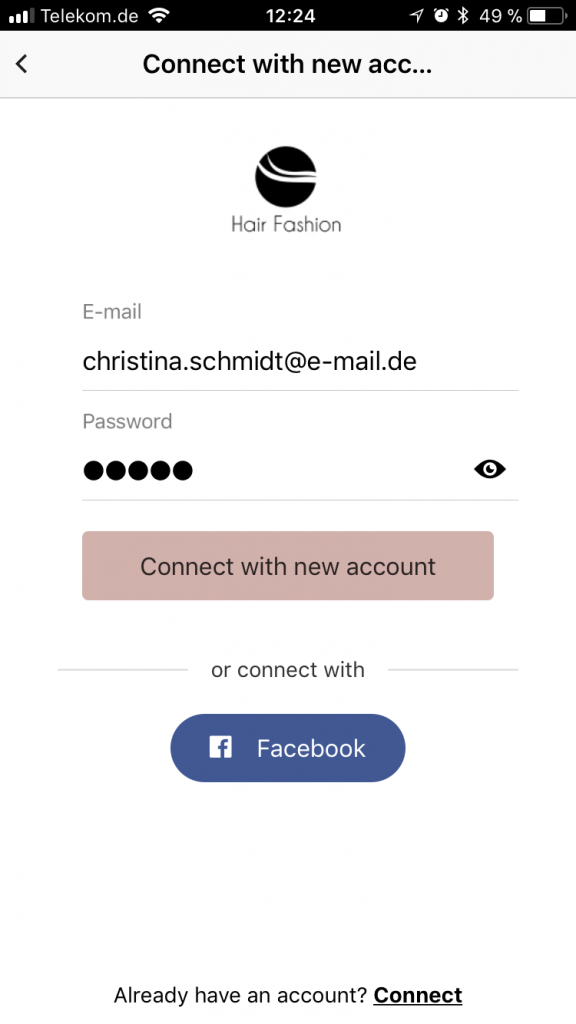 Easy way of connecting. App users can connect via E-Mail or Facebook login